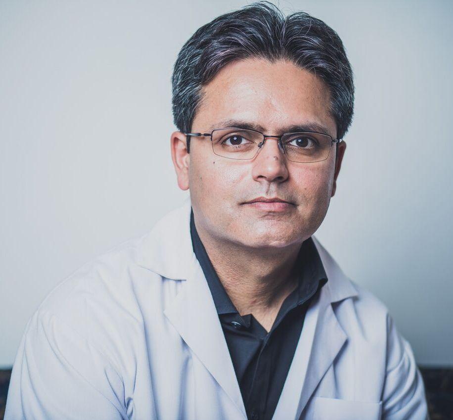 Dr Amod  Manocha