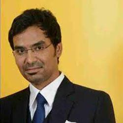 Dr Naveen  Kumaar