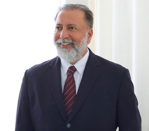 Dr Gurdeep S Sethi