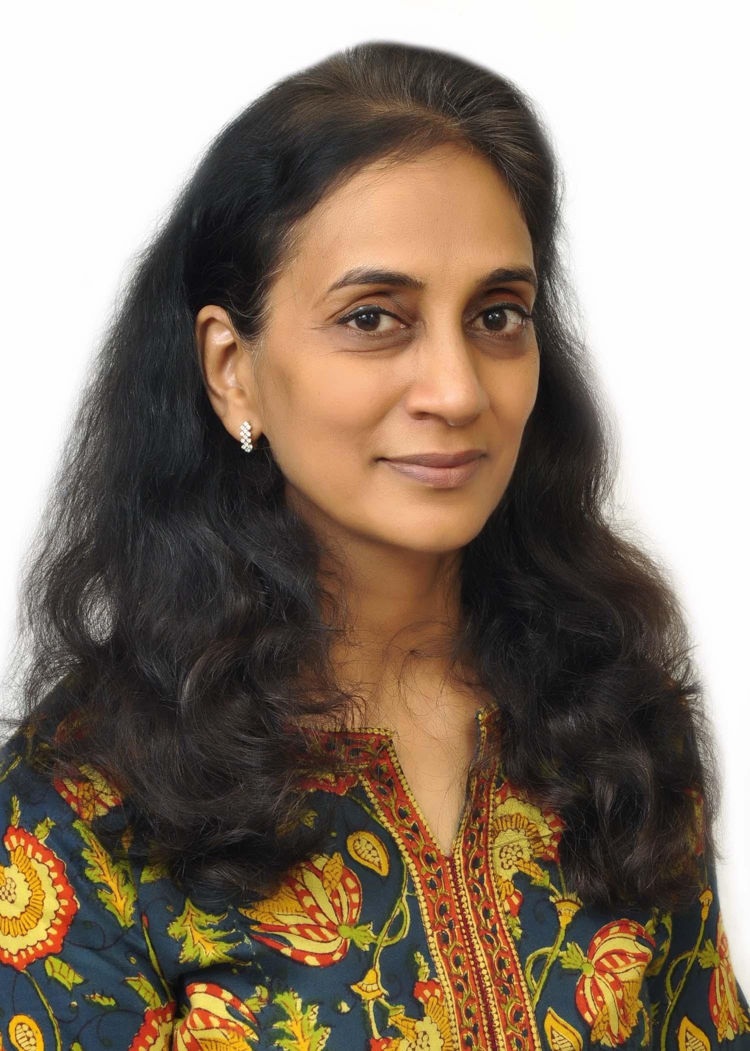 Dr Meena  Agarwal