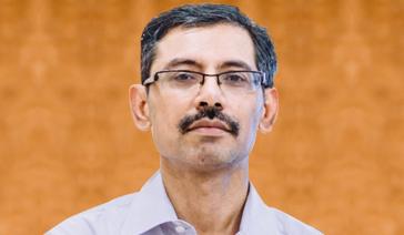 Dr Arun  Gera
